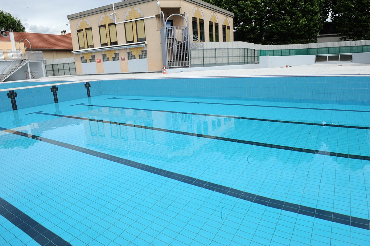 Piscine municipale for Piscine saintes